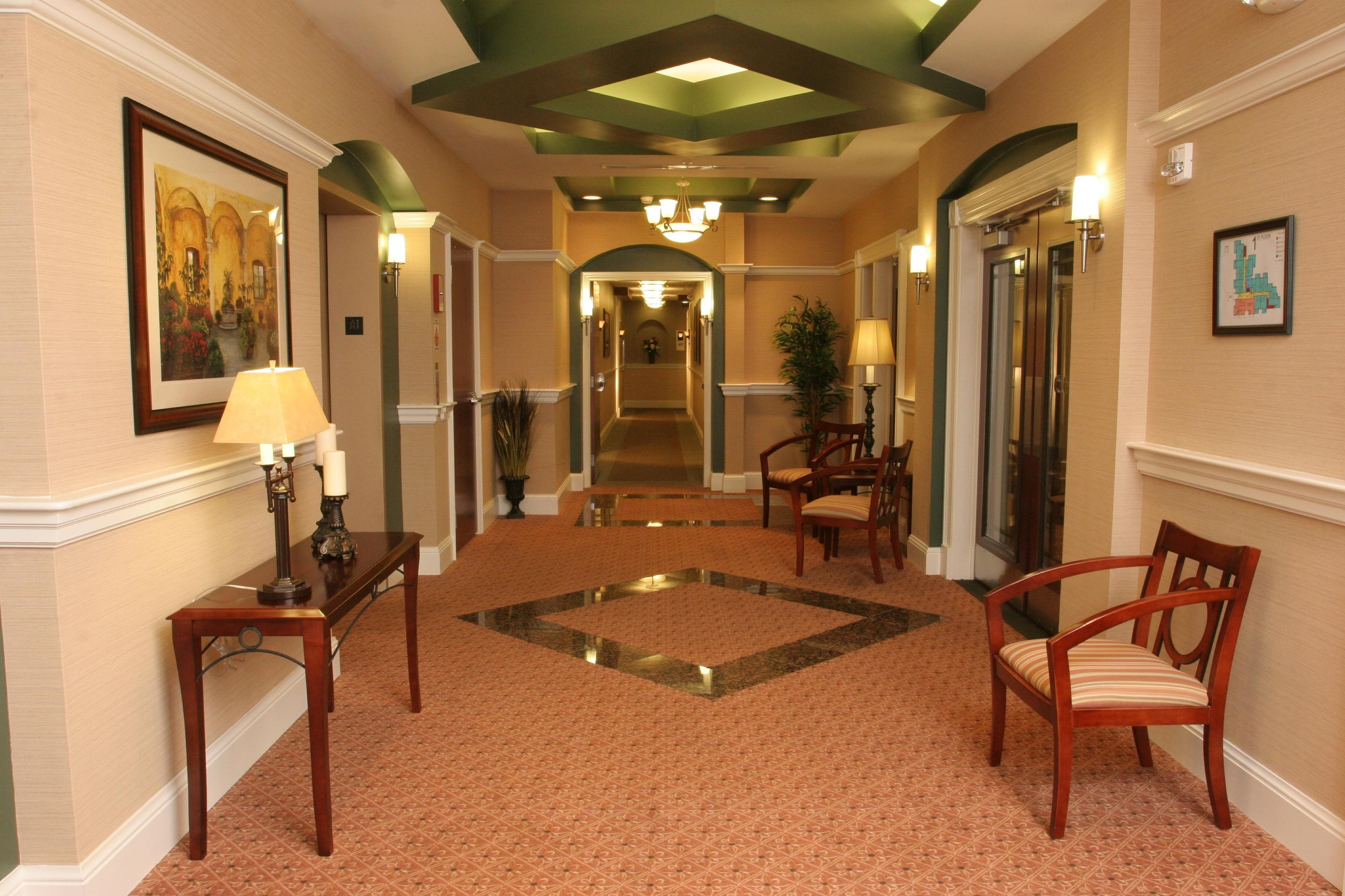 B6.3-Buckingham-Place-Lobby-Paintsville-KY
